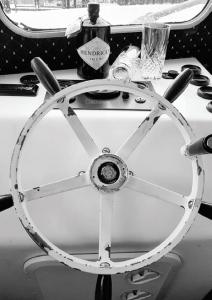 Lough Derg Gin Cruise | Larkins of Garrykennedy